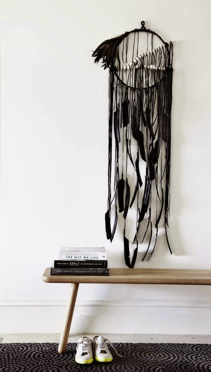 http://harklo.tumblr.com/post/45785614763/o-electric-love-wall-hangings-o-stunning-black