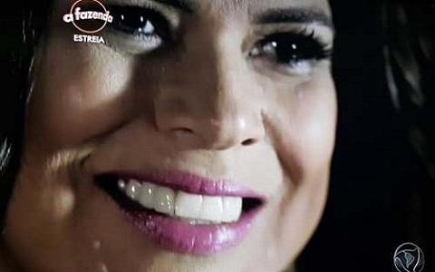 Mara Maravilha está falando estranho por causa dos dentes