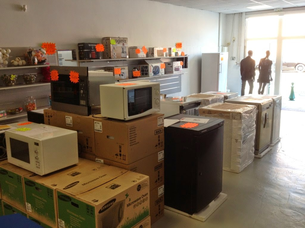 Destockage petit et gros l ctromenagers grossiste en for Electromenager en liquidation