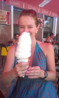Огромное мороженое, мороженое гигант