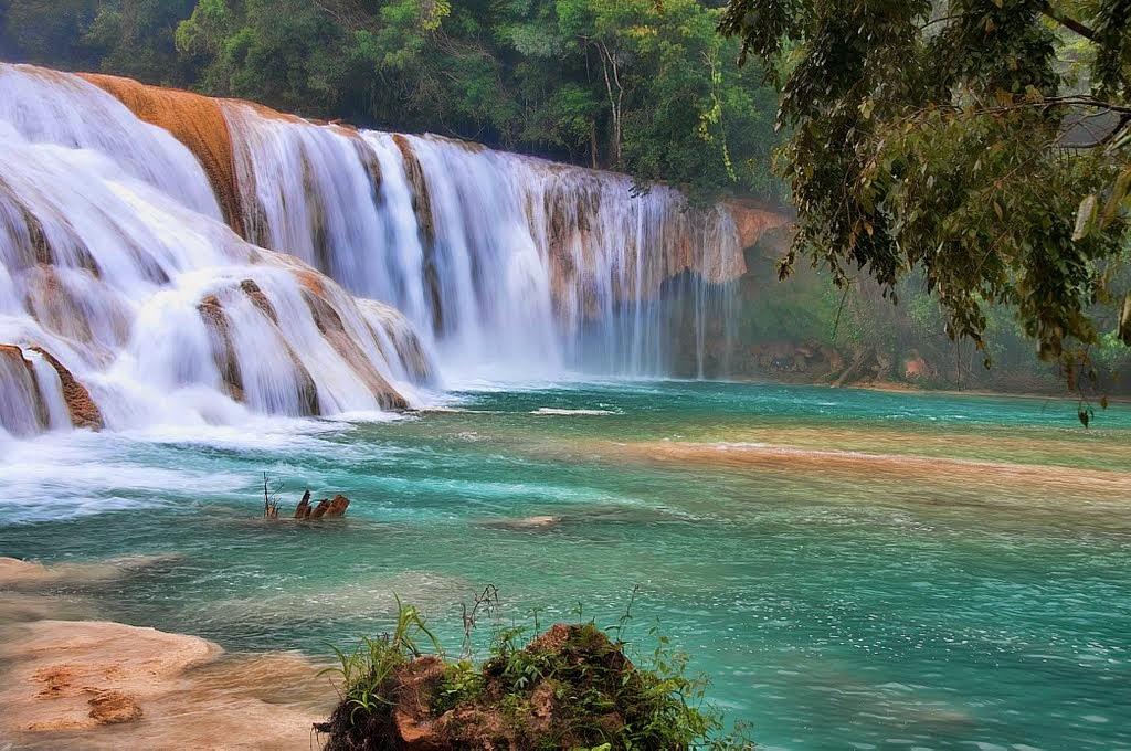 La Cascata di Agua Azul in Chiapas Mexico
