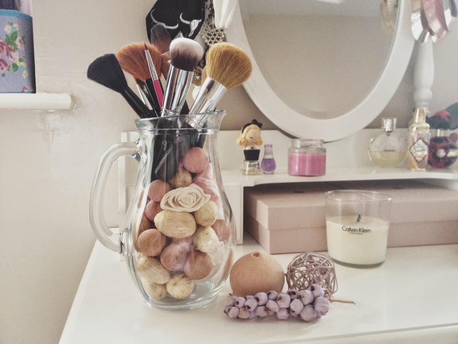 Jug Makeup Brush Storage Idea