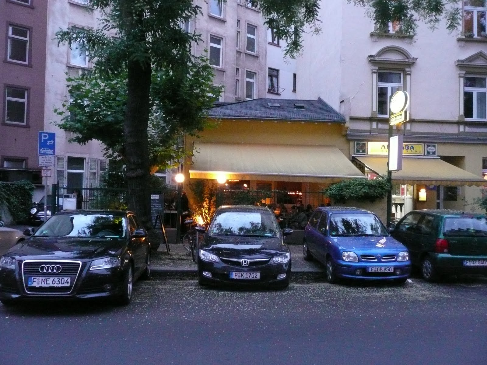 Frankfurt single bar