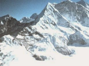 6 year old Indian boy successfully climbs Kalapatthar peak