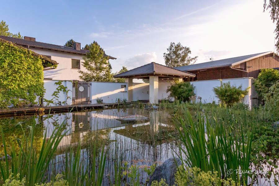 Gartenblog zu gartenplanung gartendesign und gartengestaltung anwesen bei m nchen gestaltet - Whirlpool pavillon ...