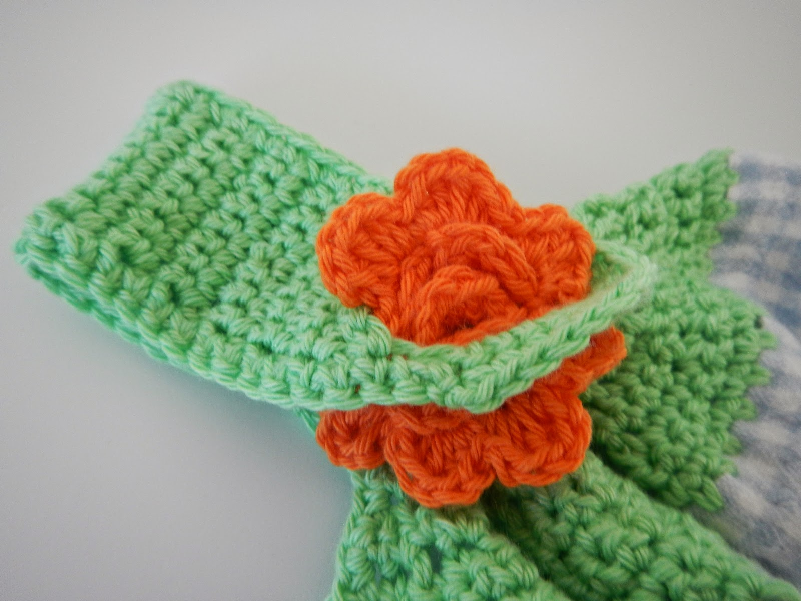 Apple Blossom Dreams: Towel Toppers III