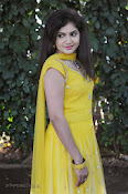 New Actress Noorjahan Photos in Yellow-thumbnail-17
