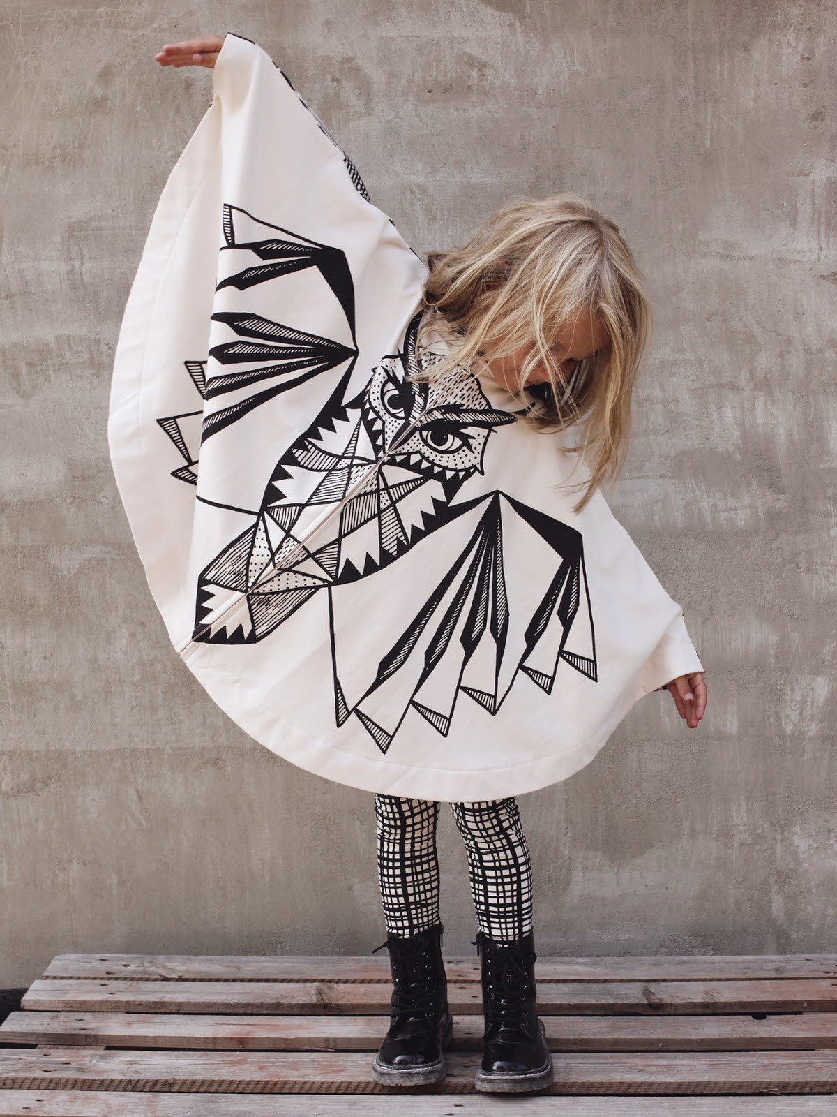 Kids Owl poncho by Mainio Clothing for autumn 2014 collection