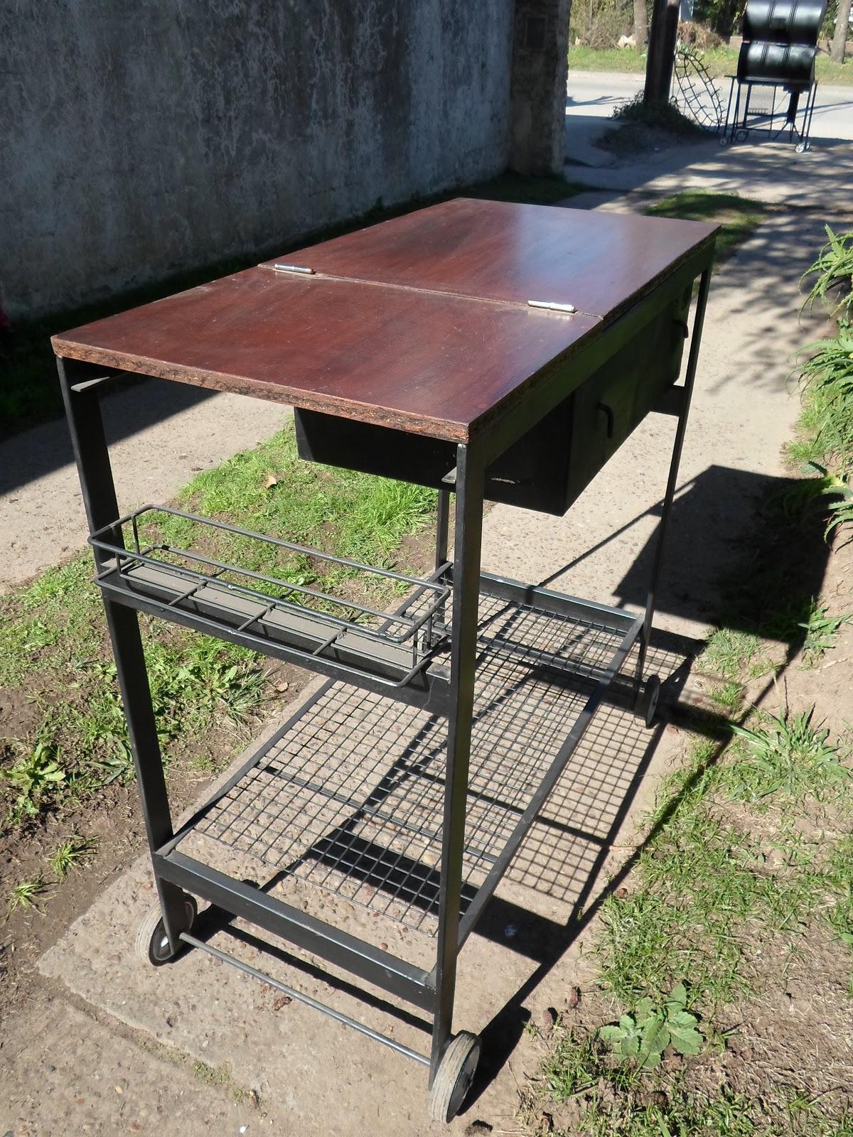 Asador parrilla con brasero tipo mesa de jardin for Fabrica de mesas de jardin