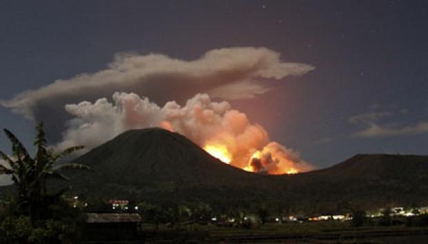 Pantauan Visual Aktivitas Gunung Lokon Menurun
