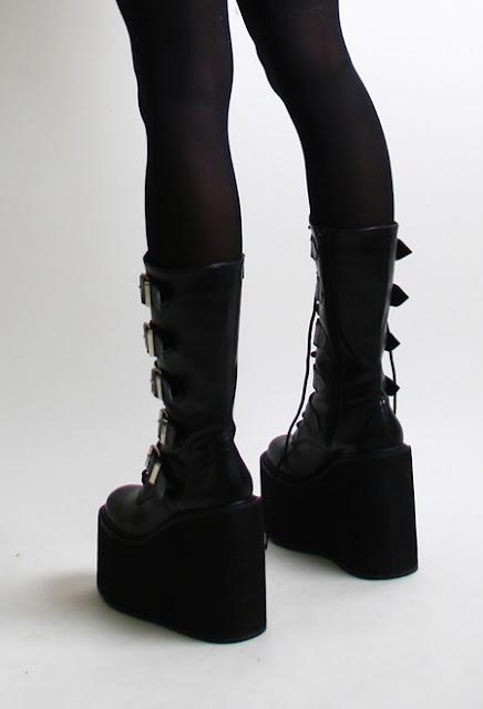 Platform Boots Demonia1