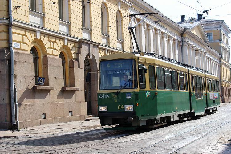 ヘルシンキの旅をもっと楽しむ。: トラムの路線図と停留所名がわかる! トラムの画像集。