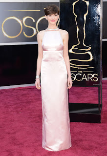 Oscars 2013 Red Carpet, Anne Hathaway