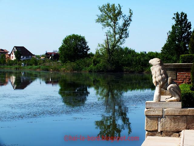 statuie leu si lac mogosoaia