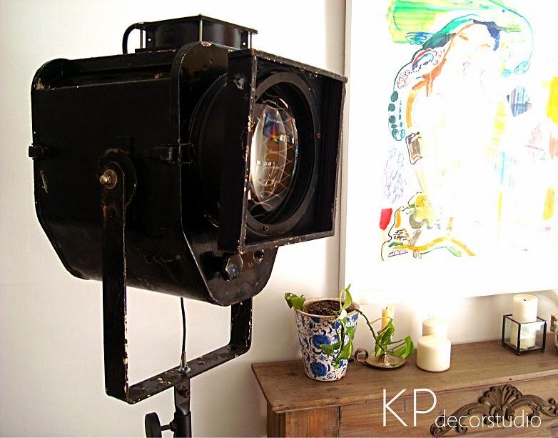 Precios de focos antiguos de cine. Foco de teatro vintage con trípode para decoración.