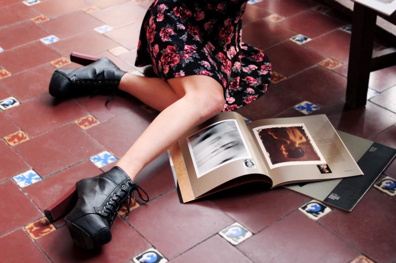 botines-tacones-falda-skater-floral-h&m