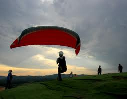 sukan extreem, sukan udara, paragliding, skydiving, terbang di hembus angin