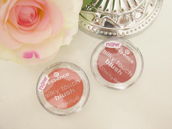 essence Silky Touch Blush 80 Autumn Peach und 70 Kissable Neuheiten Herbst 2014