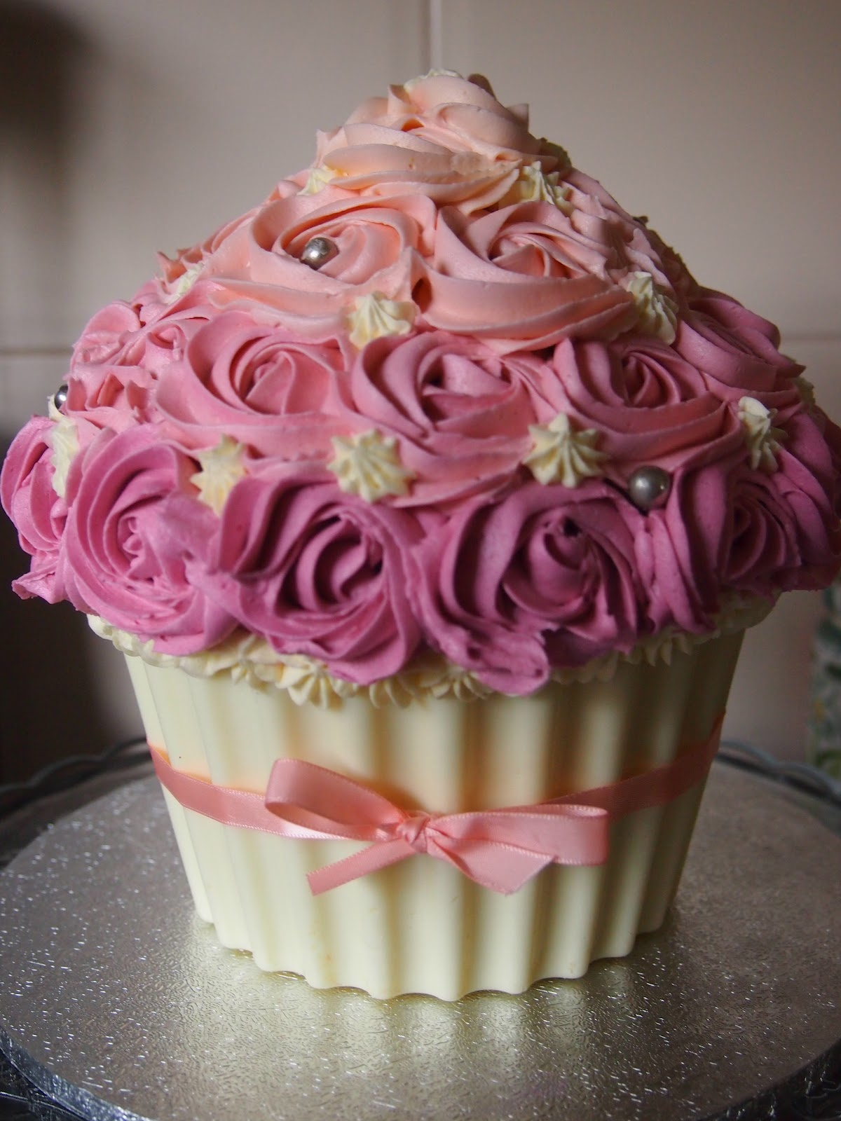 Big Cupcake Images : Sweet Inspirations By Sarah: How to make a chocolate shell ...