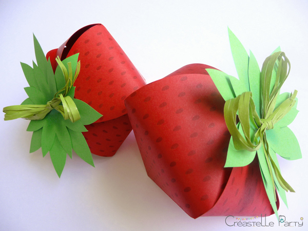 Strawberry paper box