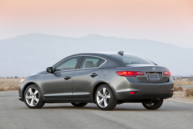 2013 Acura ILX Tech rear shot