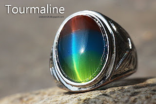 Batu permata Tourmaline cat eye