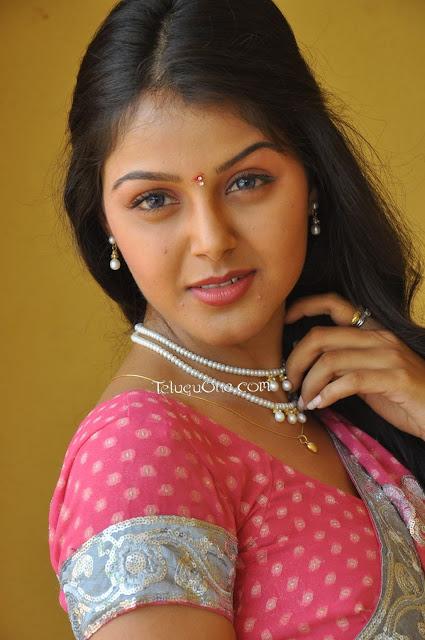 Telugu film actress Monal Gajjar Beautiful sizzling cute photos gallery ...