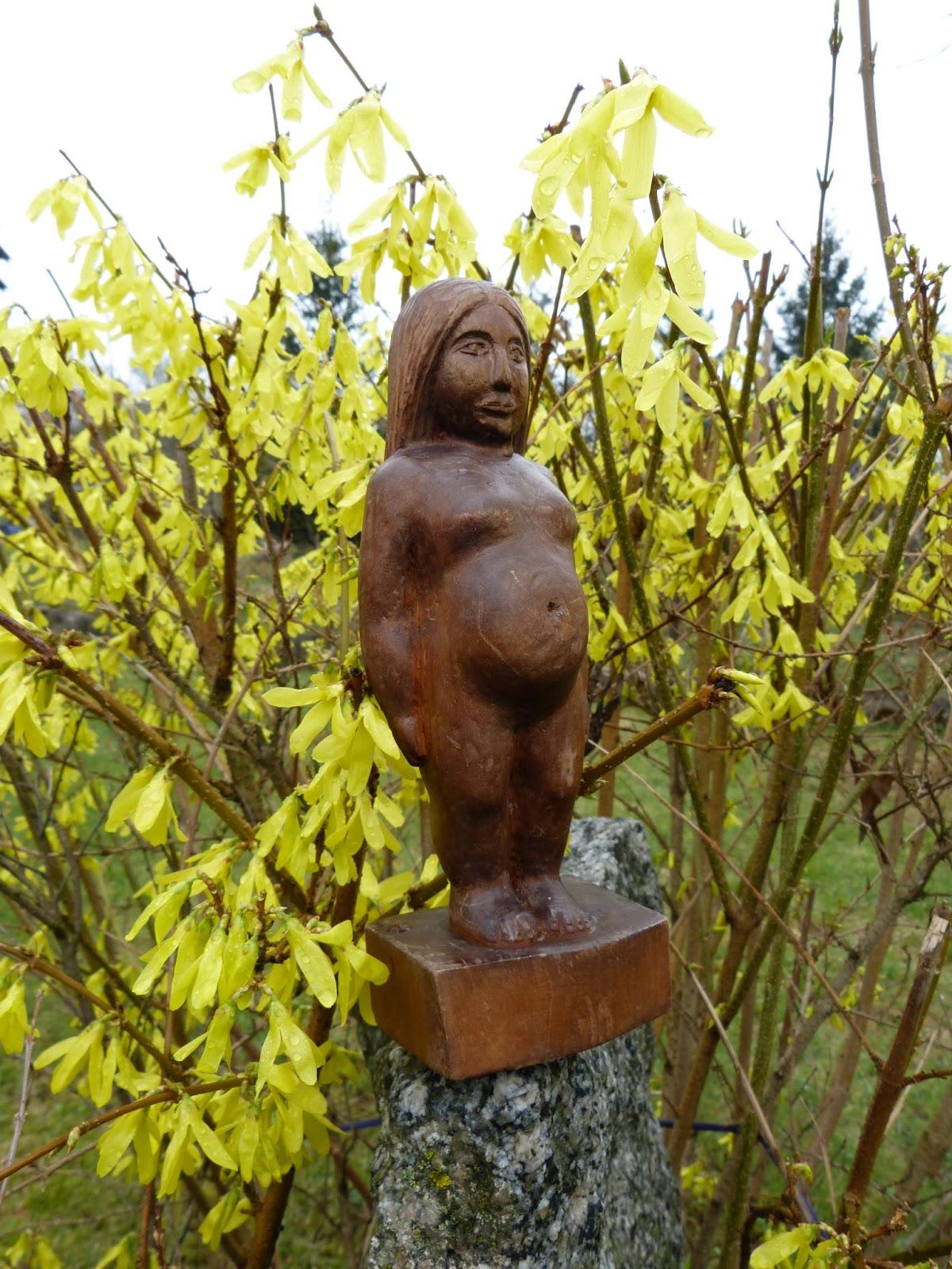 rzeźba postać kobiety