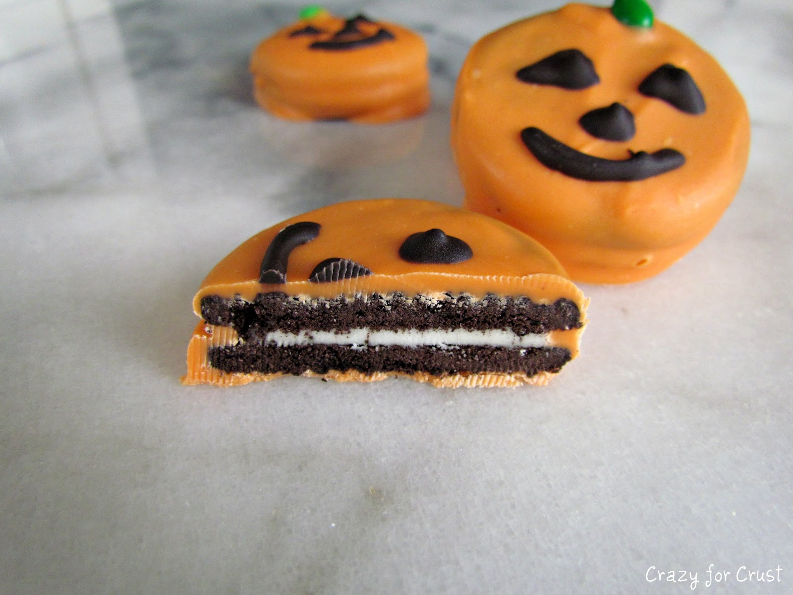 Oreo Jack-o   -Lanterns  Last Minute Halloween Treats Oreo Halloween Desserts