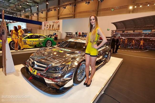 Người đẹp gợi cảm tại Essen Motor Show 2013