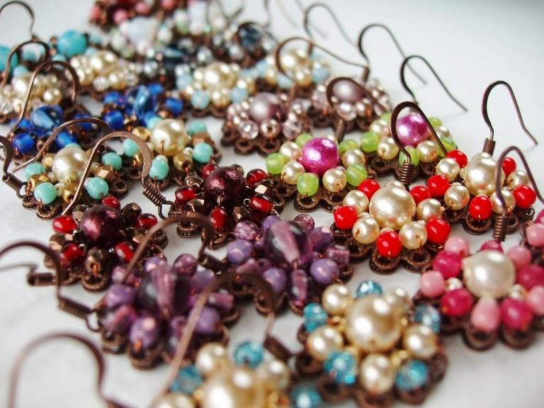 Eesti käsitöö ehted värvilised kõrvarõngad Bijoux boucles perles de verre ancienne Ohringe