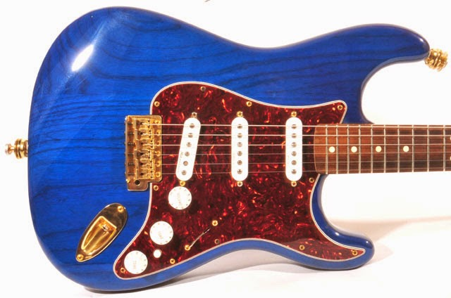 Fender Deluxe Player MIM Trans-Sapphire on Ash Body