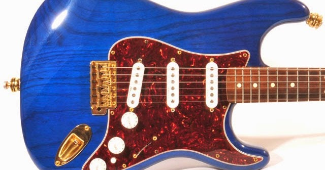 Fender_98_deluxe_player_strat_trans_blue_body_top fender '98 deluxe player trans sapphire blue friday strat 355