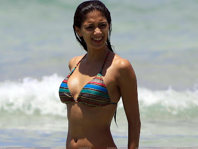 nicole_scherzinger_looking_hot_fun_hungama_forsweetangels.blogspot.com