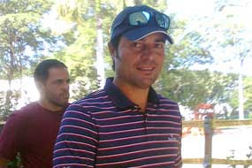 Chayanne disfruta un partido de golf
