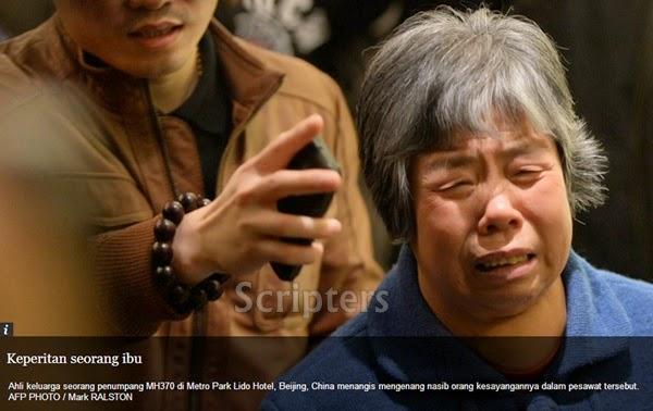 Lagi Gambar-Gambar Kesedihan Keluarga Mangsa Pesawat MH370 Yang Malang
