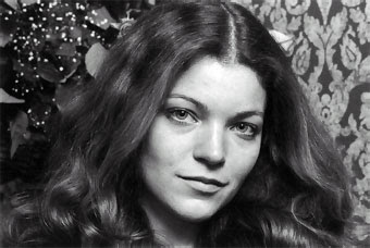 American Actress Amy Irving Images