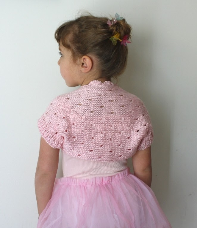 Free Knitting Patterns For Lace Bolero : All Knitted Lace: Free Pattern. Little Ballerina Shrug