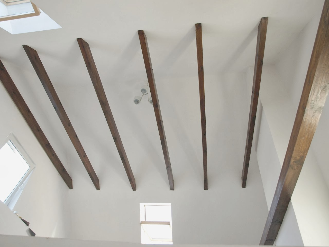 remont starego domu poddasze belki strop dach murator