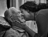 Solo tú haces que llore riendo, haces que ria llorando ¡teq abuelo!