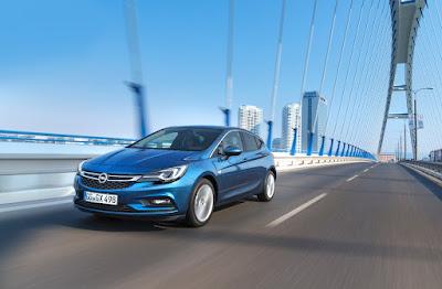 New Astra: Διαστήματα service 30.000 km, τα καλύτερα στην κατηγορία - Οικονομικός πετρελαιοκινητήρας