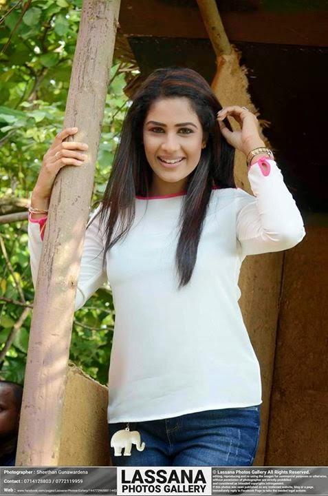 Maheshi Madushanka Photos 2015 ~ Sri Lankan Actress and Models Photos