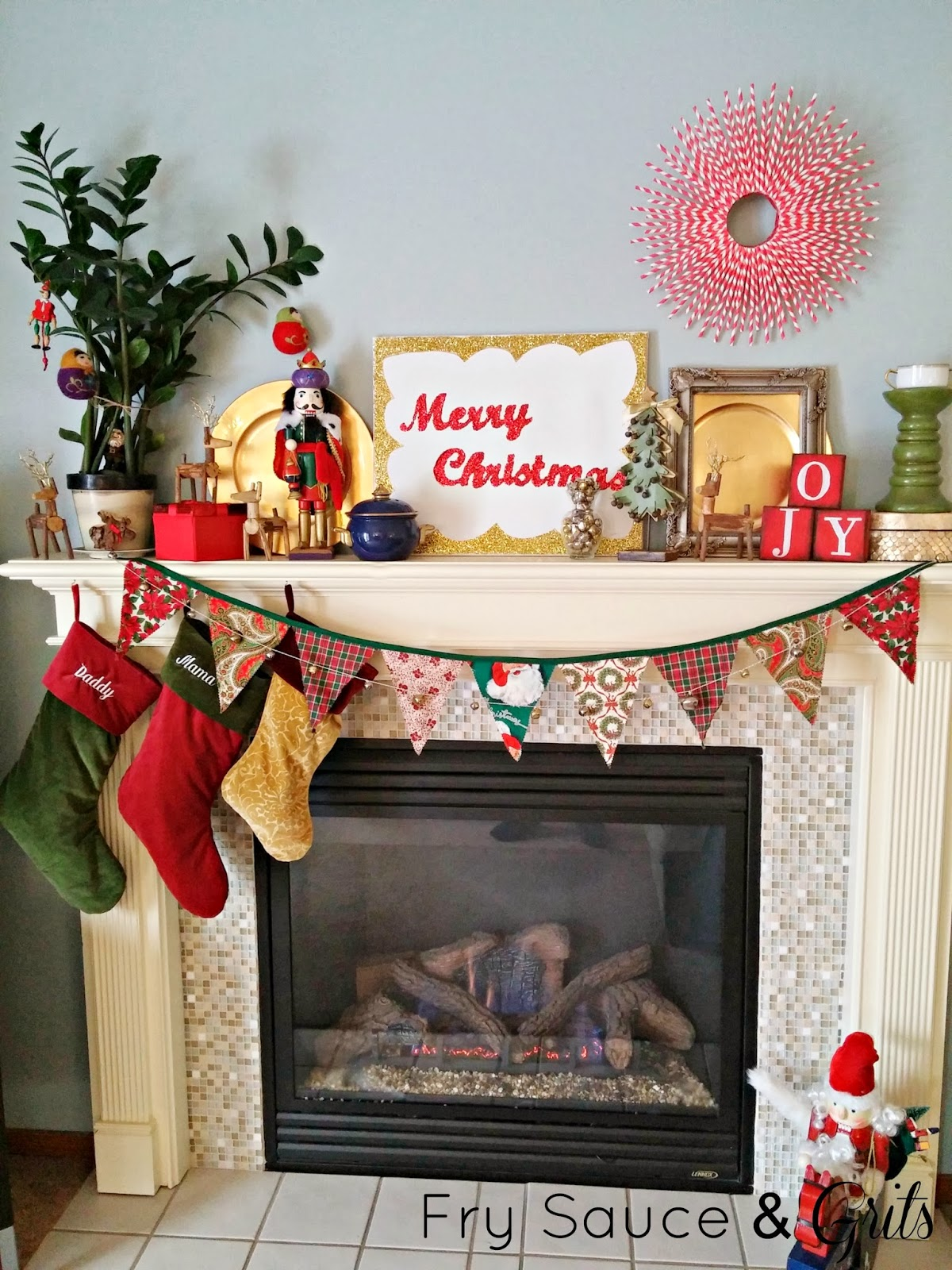 Eclectic Christmas Decor from Fry Sauce and Grits