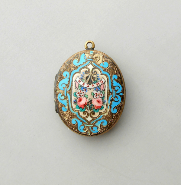 Antique Lovers Locket #antique #jewelry #locket #lovers