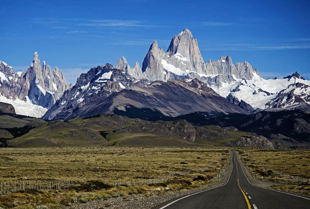El Chalten Argentina  city photos gallery : Chaltén está localizada dentro do Parque Nacional Los Glaciares ...