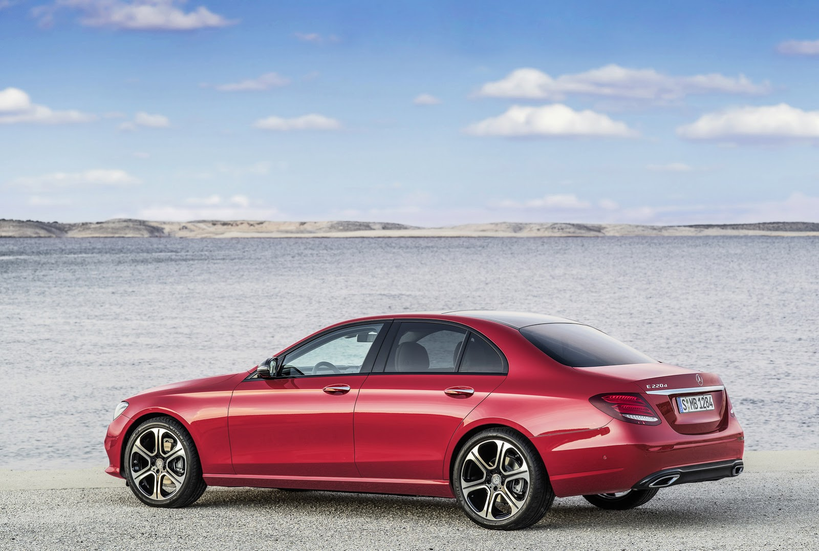 new 2017 mercedes benz e class will launch in the us with 241hp 2 0l turbo 50 pics video. Black Bedroom Furniture Sets. Home Design Ideas
