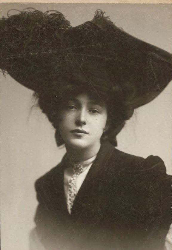 Evelyn Nesbit Shaw Evelyn Nesbit