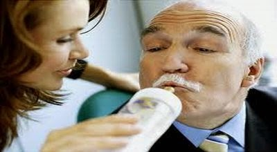 susu, nyeri sendi, osteoporosis, ostearthritis, konsumsi susu, khasiat susu, manfaat susu, kalsium susu