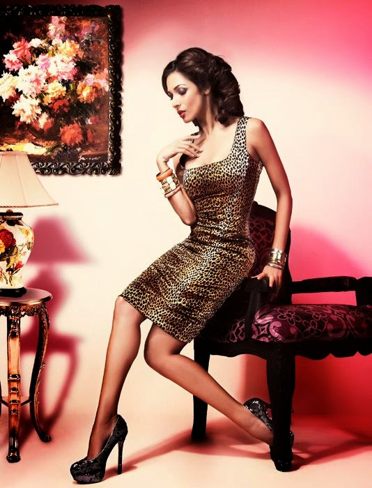 Malaika Arora Khan in animal skinned skirt hot lavishing sexy hot pics