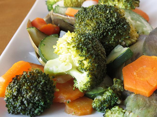 3 formas de cocinar verduras al vapor sin vaporera el for Comidas sin cocinar